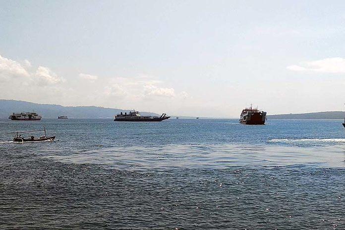 https: img.okezone.com content 2019 05 24 244 2059953 arus-mudik-2019-penumpang-di-pelabuhan-gilimanuk-naik-hingga-7-aPj3XJuqQP.jpg