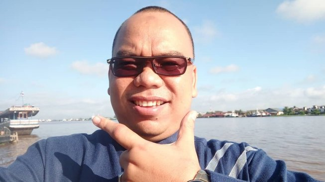 https: img.okezone.com content 2019 05 26 337 2060488 anggota-bpn-mustofa-nahrawardaya-ditangkap-polisi-terkait-hoaks-kerusuhan-22-mei-TInIaYYaGd.jpg