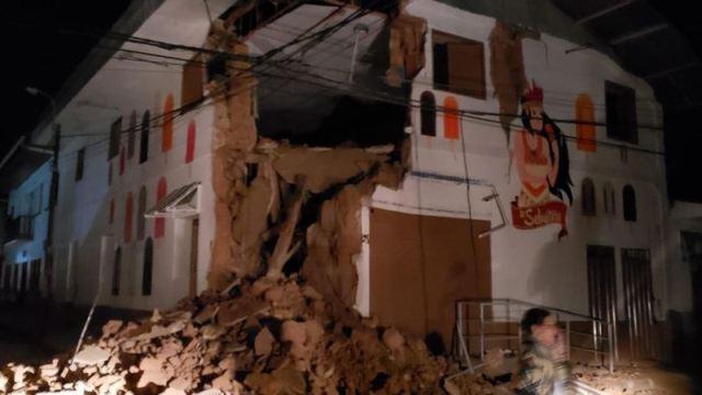 https: img.okezone.com content 2019 05 27 18 2060723 gempa-m8-0-guncang-peru-bangunan-dan-fasilitas-umum-roboh-C7GZjgzfmw.jpg