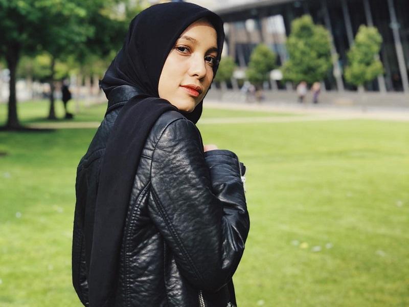 https: img.okezone.com content 2019 05 27 617 2060970 curhat-jenahara-aku-ingin-dikenal-enggak-semata-mata-sebagai-fashion-desainer-YYIYeI8Iwl.jpg