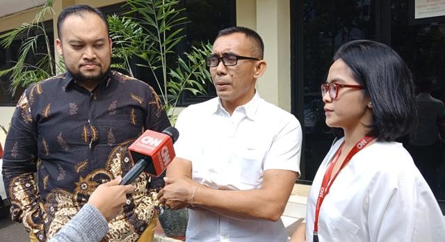 https: img.okezone.com content 2019 05 28 337 2061349 dianiaya-saat-liput-aksi-22-mei-jurnalis-cnn-indonesia-lapor-ke-propam-polri-SSbDMPAI1L.jpg