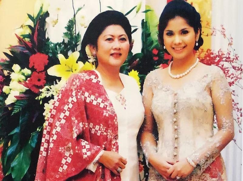 https: img.okezone.com content 2019 06 01 196 2062838 kisah-ani-yudhoyono-sudah-pesan-kain-untuk-lebaran-sebelum-sakit-V518gjfPcw.jpg