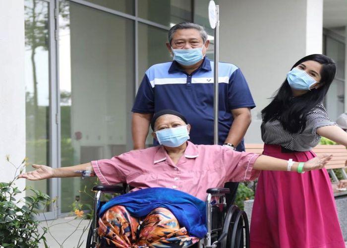 https: img.okezone.com content 2019 06 01 33 2062878 ani-yudhoyono-meninggal-dunia-annisa-pohan-mohon-doa-9Xwo2G1WBw.jpg