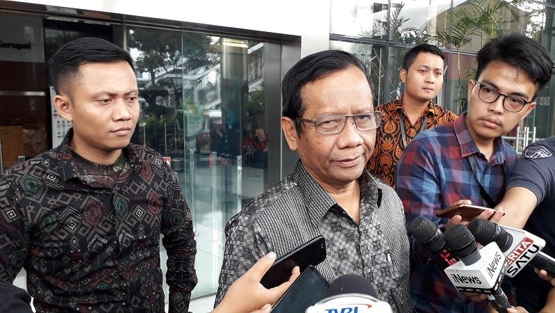 https: img.okezone.com content 2019 06 01 337 2062816 mahfud-md-referendum-sudah-tak-dikenal-dalam-konstitusi-indonesia-XsKD2FLben.jpg