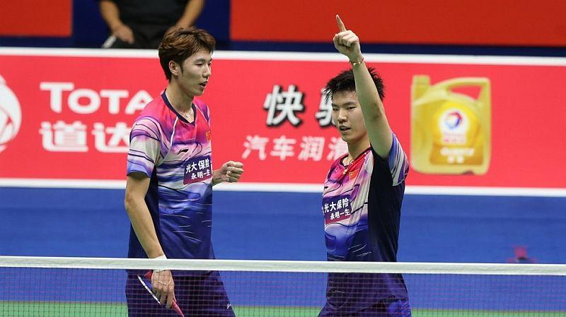 https: img.okezone.com content 2019 06 02 40 2063139 li-junhui-liu-yuchen-kian-pede-usai-bawa-china-juara-piala-sudirman-P2TLciTNYg.jpg