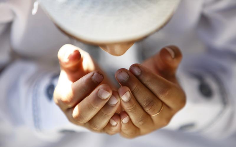 https: img.okezone.com content 2019 06 03 614 2063442 ketika-melihat-jenzah-dianjurkan-membaca-doa-ini-9Kc8jCKDR6.jpg