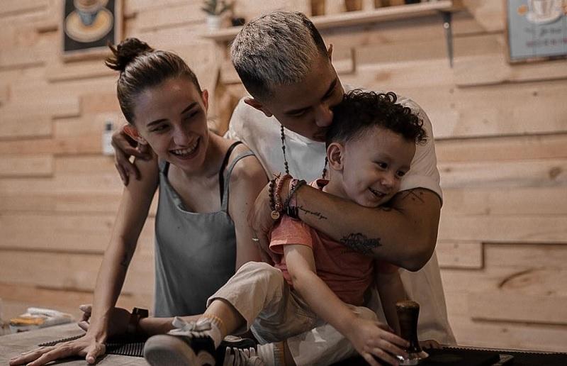 https: img.okezone.com content 2019 06 04 33 2063760 proses-panjang-dahlia-poland-melahirkan-anak-kedua-3bNyssNzBL.jpg