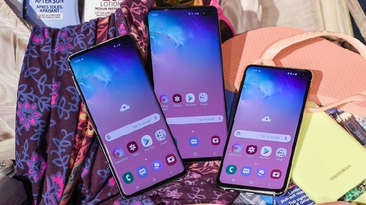 https: img.okezone.com content 2019 06 04 92 2063595 tips-beli-ponsel-samsung-sesuai-budget-anda-1kco0B0Tjm.jpg