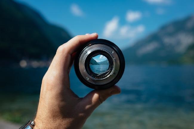 https: img.okezone.com content 2019 06 05 92 2063888 4-cara-merawat-lensa-kamera-anda-4DS8ns1uvE.jpg
