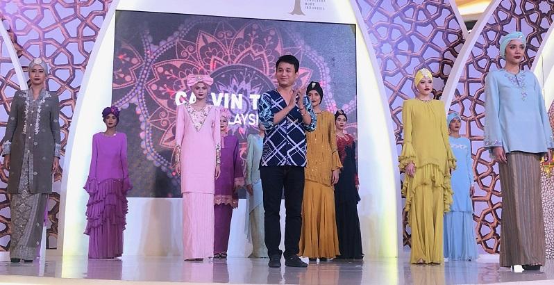 https: img.okezone.com content 2019 06 10 194 2064894 ini-alasan-banyak-desainer-asing-incar-pasar-fashion-di-indonesia-GHNaOHLwS8.jpeg