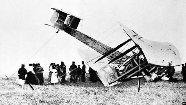 https: img.okezone.com content 2019 06 11 18 2065154 satu-abad-penerbangan-trans-atlantik-pertama-di-dunia-SFZHdQMlEk.jpg