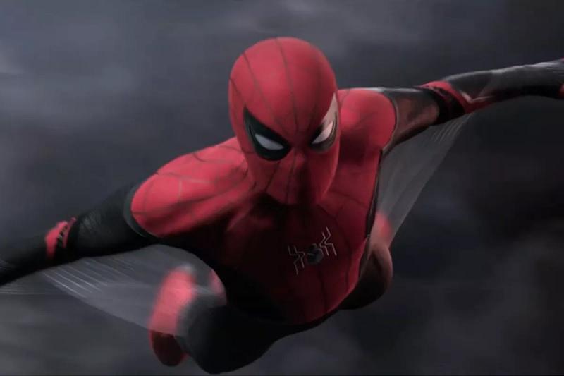 https: img.okezone.com content 2019 06 12 206 2065566 peter-parker-tunjukkan-kostum-spider-man-buatannya-di-far-from-home-kHe7dE1wG7.jpg