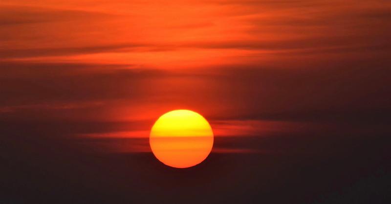 https: img.okezone.com content 2019 06 12 612 2065796 heboh-fenomena-alam-2-matahari-di-amerika-dan-kanada-ini-faktanya-1nZtG8VE99.jpg