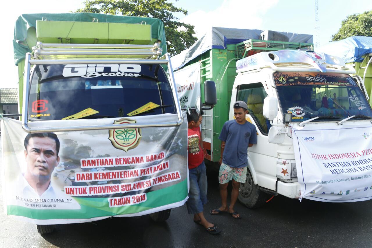https: img.okezone.com content 2019 06 13 320 2065956 mentan-kawal-distribusi-bantuan-korban-banjir-kendari-6T1jNdvCij.jpg