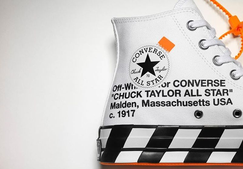 https: img.okezone.com content 2019 06 14 194 2066414 sneakers-off-white-x-converse-chuck-70-bikin-plaza-indonesia-diserbu-milenial-Nt9qKT8ezY.jpg