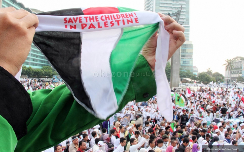 https: img.okezone.com content 2019 06 14 337 2066636 komisi-i-dpr-kecam-pendudukan-ilegal-israel-di-tanah-palestina-jWmXI9wCAy.jpg