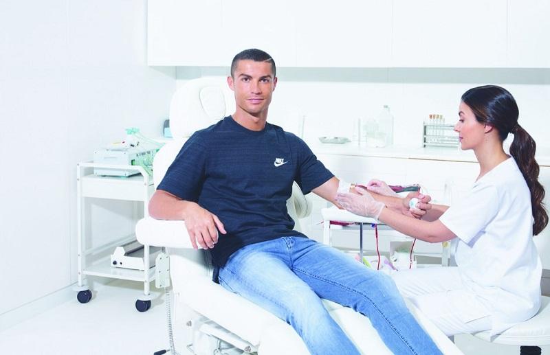 Hari Donor Darah Sedunia, Ungkap Alasan Cristiano Ronaldo Tak Punya Tato :  Okezone Lifestyle