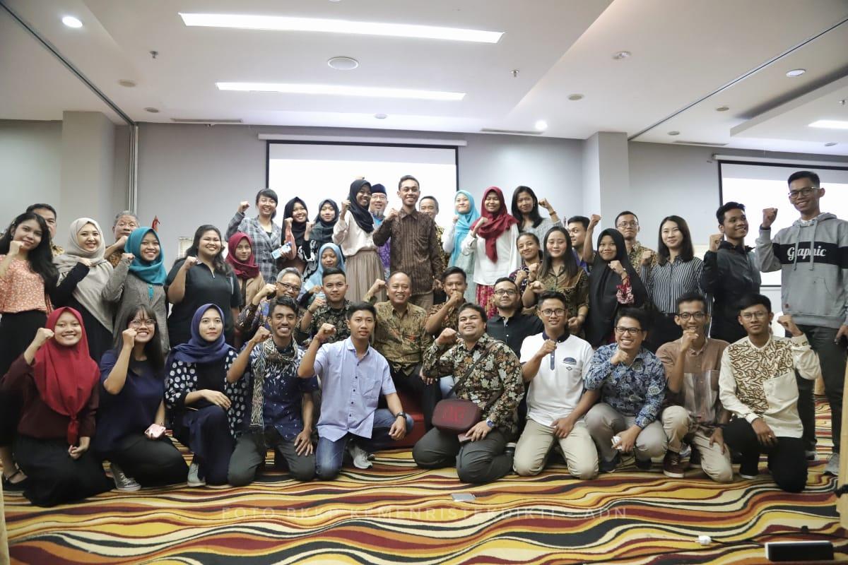 https: img.okezone.com content 2019 06 15 65 2066727 belajar-teknologi-45-mahasiswa-indonesia-dikirim-ke-china-blPG8Af3ns.jpeg