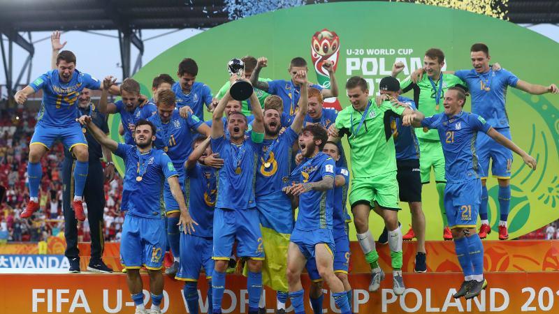 https: img.okezone.com content 2019 06 16 51 2066902 kalahkan-korsel-3-1-ukraina-juara-piala-dunia-u-20-2019-xogY8K7INv.jpg
