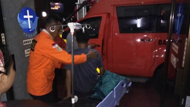 https: img.okezone.com content 2019 06 16 512 2066914 pendaki-gunung-sindoro-jatuh-evakuasi-berlangsung-selama-5-jam-pP8dkzDSJt.jpg