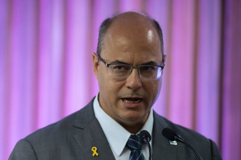 https: img.okezone.com content 2019 06 17 18 2067269 gubernur-di-brasil-usulkan-penggunaan-rudal-untuk-tindak-pelaku-kriminal-T8FTjHiw2x.jpg