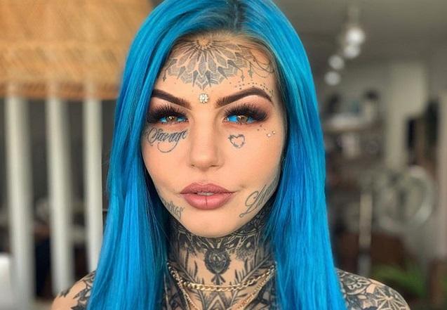 https: img.okezone.com content 2019 06 17 194 2067467 modifikasi-tubuh-wanita-ini-rela-warnai-mata-jadi-biru-foA9WBrdSS.jpg
