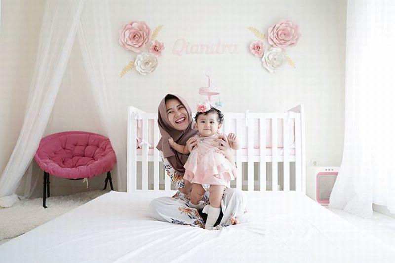 https: img.okezone.com content 2019 06 17 194 2067567 gaya-modis-hijab-kekinian-ala-ryana-dea-jy3MpvAVVO.jpg