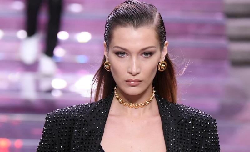 Bella Hadid membuktikan bahwa ia dapat menyusul kesuksesan kakaknya yang lebih dulu terjun ke dunia modelling.