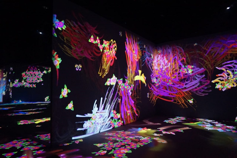 https: img.okezone.com content 2019 06 18 406 2067957 5-instalasi-super-instagramable-di-pameran-seni-teamlab-future-park-and-animals-of-flowers-YFBGsuPV7t.JPG