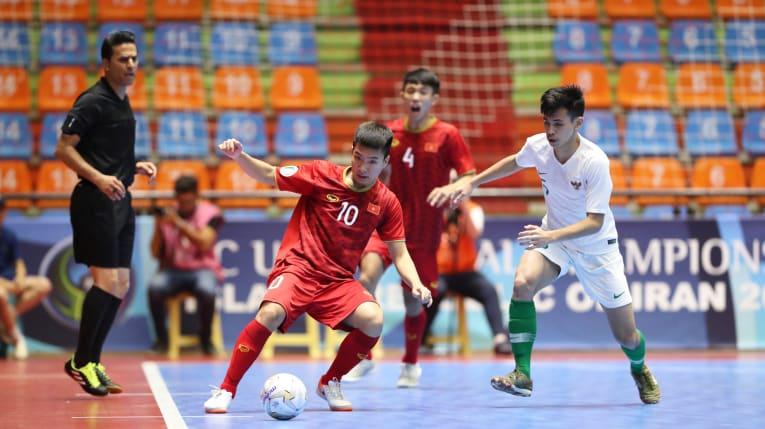 https: img.okezone.com content 2019 06 18 51 2067942 asisten-pelatih-beberkan-kunci-kemenangan-timnas-futsal-indonesia-u-20-atas-vietnam-J37shvciIJ.jpg