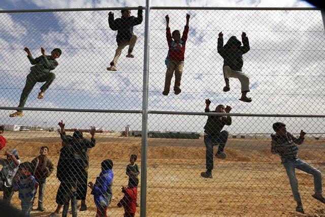 https: img.okezone.com content 2019 06 20 18 2068782 pbb-lebih-70-juta-orang-melarikan-diri-dari-konflik-5JbdMUmhbZ.jpg