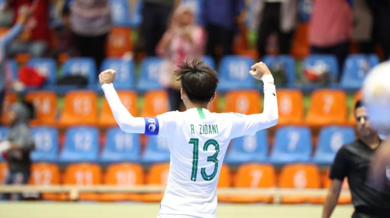 https: img.okezone.com content 2019 06 20 51 2068869 timnas-futsal-indonesia-u-20-tertinggal-0-1-dari-afghanistan-di-babak-pertama-xx2rErCP1Q.jpg