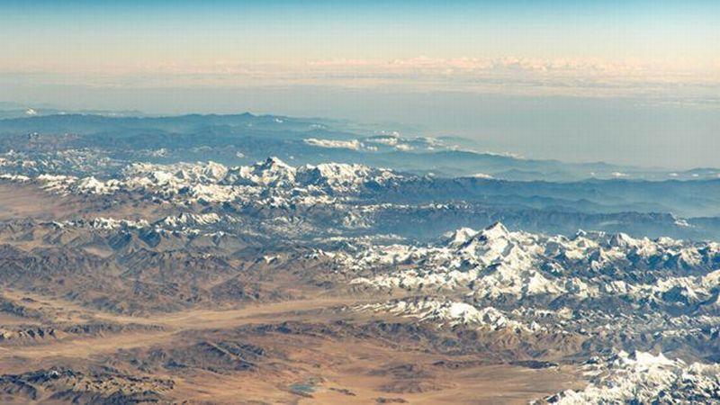 https: img.okezone.com content 2019 06 21 18 2069031 gletser-mencair-di-pegunungan-himalaya-capai-8-miliar-ton-per-tahun-0SysK9ENdd.jpg
