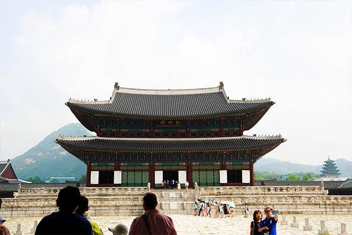 https: img.okezone.com content 2019 06 21 406 2069409 4-rekomendasi-wisata-halal-di-korea-selatan-hG8X4Mes85.jpg