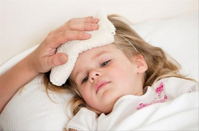 https: img.okezone.com content 2019 06 21 481 2069256 kapan-anak-demam-harus-dikompres-dengan-air-hangat-dan-air-dingin-D5dZnaNWk9.jpg