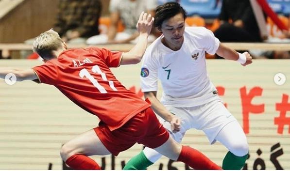 https: img.okezone.com content 2019 06 21 51 2069301 firman-adriansyah-kecewa-gagal-loloskan-indonesia-ke-final-piala-asia-futsal-u-20-wNkBg9k3A9.jpg