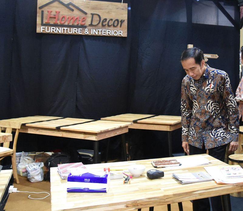 https: img.okezone.com content 2019 06 23 320 2069822 kayu-jati-platinum-andalan-baru-ekspor-furnitur-indonesia-bYmlRDy4CJ.jpg