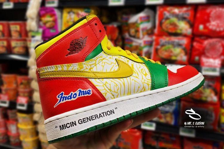 https: img.okezone.com content 2019 06 24 194 2070140 dibanderol-rp3-3-juta-sneakers-air-jordan-indomie-bakal-dipamerkan-di-indonesia-custom-con-aVgzq554Q6.jpg