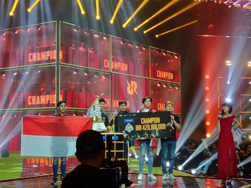 https: img.okezone.com content 2019 06 24 326 2070033 rrq-athena-tim-pub-mobile-asal-thailand-sandang-juara-pertama-pmco-sea-2019-fynO7kxc3p.jpg