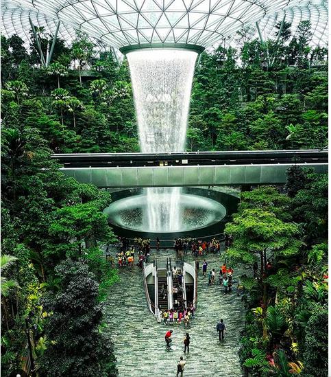 https: img.okezone.com content 2019 06 24 406 2069980 4-spot-wisata-di-singapura-yang-asyik-dan-seru-untuk-liburan-Yx8VWZgc0p.png