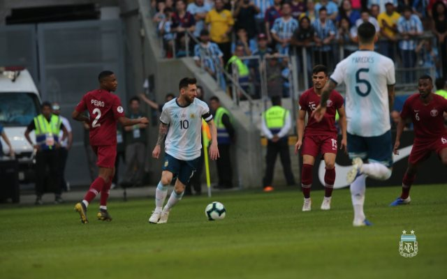 https: img.okezone.com content 2019 06 24 51 2070000 argentina-unggul-tipis-atas-qatar-di-babak-pertama-IaULY8I0vE.jpg