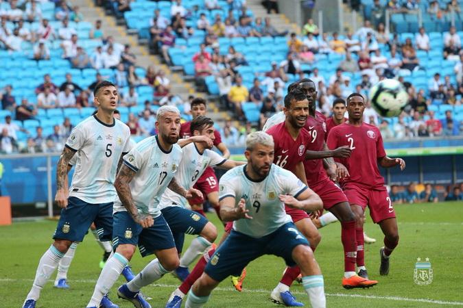 https: img.okezone.com content 2019 06 24 51 2070062 argentina-lolos-ke-perempatfinal-copa-america-2019-messi-perjuangan-kami-baru-dimulai-6Muq0S9QCr.jpg