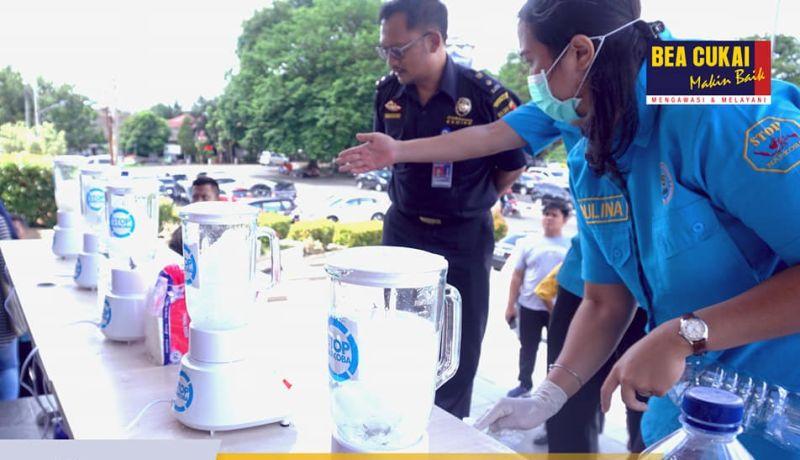 https: img.okezone.com content 2019 06 25 1 2070854 mei-2019-bea-cukai-pangkal-pinang-ungkap-3-kasus-narkoba-ZIXNny7LYD.jpg