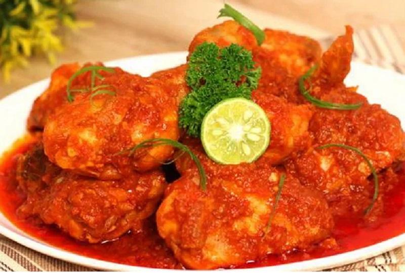 https: img.okezone.com content 2019 06 25 298 2070563 ini-resep-lezat-balado-ayam-dan-telur-eyYUvHL0TE.jpg