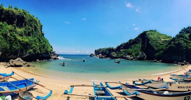 https: img.okezone.com content 2019 06 26 406 2071025 menpar-pariwisata-indonesia-lebih-bagus-dari-malaysia-mLMWJtIRZC.jpg