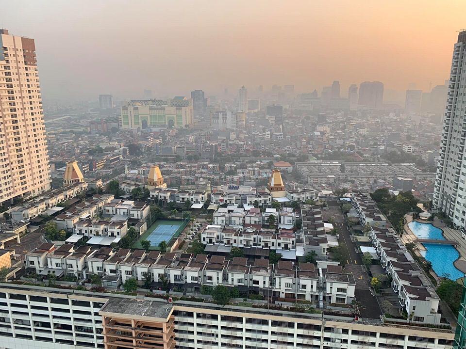 https: img.okezone.com content 2019 06 26 470 2071100 viral-ada-perumahan-di-atas-thamrin-city-3dSEid3B0k.jpg