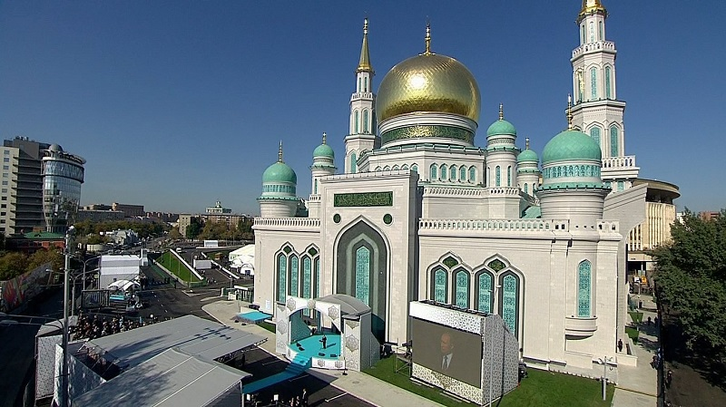 https: img.okezone.com content 2019 06 26 615 2071105 masjid-agung-moskow-cocok-dikunjungi-wisatawan-muslim-hNBCgRZT4R.jpg