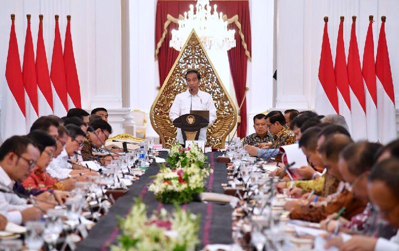 https: img.okezone.com content 2019 06 27 320 2071612 data-pemerintah-sering-berbeda-jokowi-bikin-aturan-satu-data-indonesia-MpM0hsb2Zc.jpg