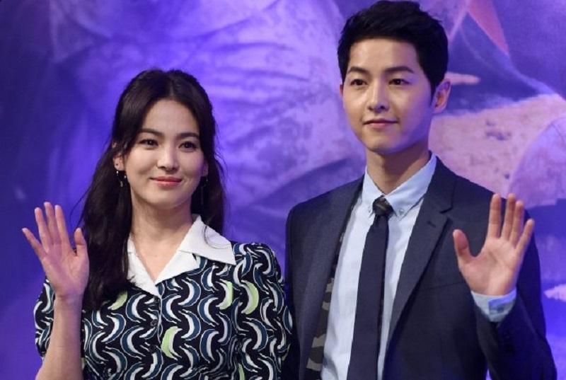 https: img.okezone.com content 2019 06 27 33 2071577 berakhir-cerai-intip-perjalanan-cinta-song-joong-ki-dan-song-hye-kyo-j0BkzuynDg.jpg