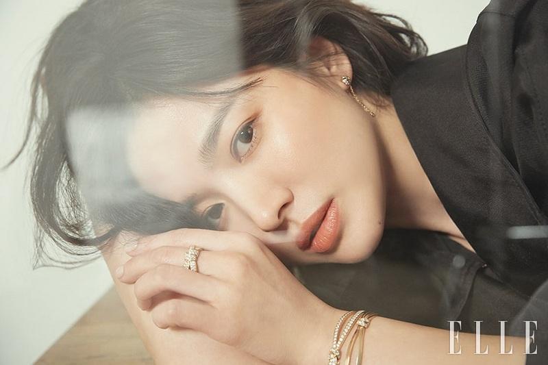 https: img.okezone.com content 2019 06 27 33 2071739 pernikahan-tak-berjalan-mulus-song-hye-kyo-stres-dan-kerap-menangis-ZXietNCzGx.jpg